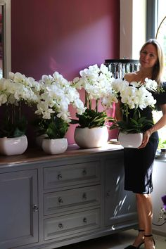 Artificial Orchids, Orchid Arrangements, Useful Life Hacks, Flower Centerpieces, Floral Bouquets, Growing Plants, Plant Decor, Garden Art, Beautiful Flowers