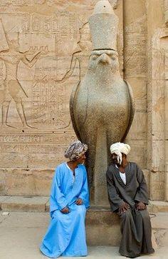 Actividades en Egipto, El Templo de Edfu http://www.espanol.maydoumtravel.com/Paquetes-de-Viajes-Cl%C3%A1sicos-en-Egipto/4/1/29