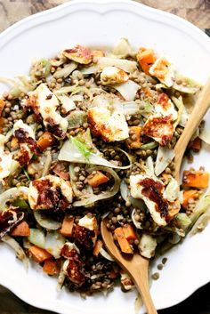 4 Points About Vintage And Standard Elizabethan Cooking Recipes! Warm Lentils With Fennel And Halloumi Lentil Salad Recipes, Vegetarian Recipes, Healthy Recipes, Weeknight Recipes, Healthy Options, Food Dishes, Side Dishes, Roasted Fennel, Clean Eating
