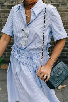 lfw-london_fashion_week_ss17-street_style-outfits-collage_vintage-vintage-stripped_dress-victoria_beckham-avenue_32-61