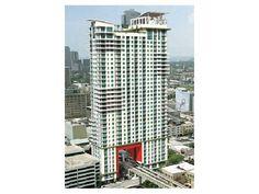 133 NE 2 AV Miami FL 33132