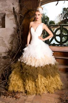 The FashionBrides is the largest online directory dedicated to bridal designers and wedding gowns. Find the gown you always dreamed for a fairy tale wedding. Sexy Gown, Girls In Love, Girls Wear, Beautiful Gowns, Bridal Collection, Wedding Gowns, Ball Gowns, Formal Dresses, How To Wear