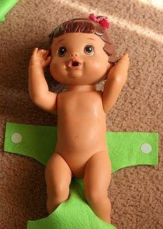 Felt + Velcro = easy baby diapers