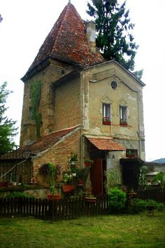 This is called the Witch's House - I'd live here ... what does that say about me??