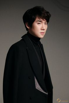 Korean Male Models, Korean Actors, Lab, Yoo Yeon Seok, A Werewolf Boy, Song Seung Heon, Cute Drawings, Gorgeous Men, Film