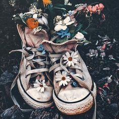 """Old shoes . Art Hoe Aesthetic, Flower Aesthetic, Aesthetic Vintage, Aesthetic Photo, Aesthetic Pictures, Spring Aesthetic, Creative Photography, Art Photography, Photography Flowers"
