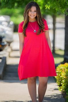 The piko dress is sure to be a staple in your wardrobe. This dress is made of the same soft bamboo blend on your favorite pikos. The swing dress features an A-Line style that is more fitted across the 50 Style Dresses, Modest Dresses, Simple Dresses, Dress Outfits, Casual Dresses, Casual Outfits, Fashion Dresses, Dress Up, Summer Dresses