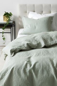 Sage Bedding ~ Ellos Home Sengesæt Candice i vasket hør – 2 eller 3 dele Light Green Bedrooms, Sage Green Bedroom, Green Master Bedroom, Green Bedroom Decor, Green Comforter, King Comforter, My New Room, Home Decor, Bedroom Inspiration