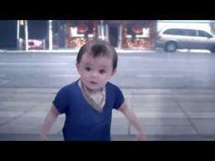 The new Evian advert - Baby & Me 2013 - Hilarious!  que massa show de bola
