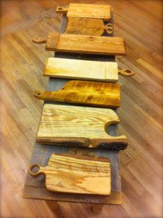 planchettes de présentation pour service, essence diverse de bois recyclé www.facebook.com/ebenisterie Service, Artisanal, Deco, Inspire, Facebook, Wood, Kitchen, Recycled Wood, Projects