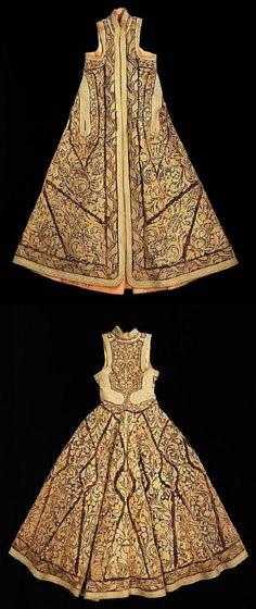 Albanian 'pirpiri'-coat. 19th century. (Brooklyn Museum Costume Collection at The Metropolitan Museum of Art).