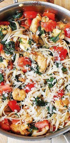 SPRING PASTA: Shrimp Tomato Spinach Pasta in Garlic Butter Sauce #Summer #pasta #summerpasta #summerrecipe #shrimp #shrimppasta Fish Recipes, Seafood Recipes, Great Recipes, Dinner Recipes, Cooking Recipes, Healthy Recipes, Shrimp And Spinach Recipes, Dinner Ideas, Shrimp Pasta Recipes