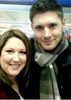 "Now here is a picture Jensen said ""yes"" to and which I will pin! :) Fan pic in Chicago, March, 2014."