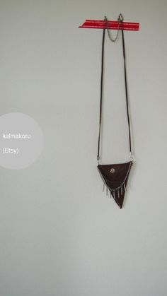 Small leather necklace/ pouch - recycled leather (kalmakoru, Etsy) #diy #jewelry…