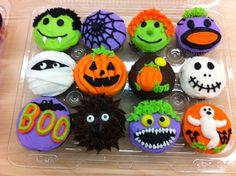 Course 1 skills for Halloween cupcake ideas Halloween Birthday Cakes, Halloween Cupcakes Easy, Halloween Treats For Kids, Holiday Cupcakes, Halloween Baking, Halloween Desserts, Halloween Cookies, Holiday Treats, Halloween Fun
