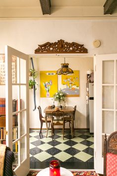 Home Decorating Ideas Bohemian House Tour: A Small, Old World-Inspired LA Studio Easy Home Decor, Cheap Home Decor, Dining Nook, Dining Set, French Country Living Room, Bohemian House, Decoration, Living Spaces, Small Living