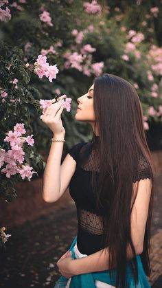 Browse through our full selection of organic beauty cbd products made from best possible natural ingredients. Vegan Cruelty Free Skin Care, Beauty Sponge, Cbd Hemp Oil, Hair Starting, Dewy Skin, Shooting Photo, Shiny Hair, Organic Beauty, Natural Beauty