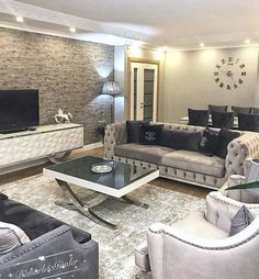 We have access, please, even if there's a point to get up . - Design Cointrend News Classy Living Room, Living Room Colors, Home Living Room, Living Room Decor, Home Room Design, Home Interior Design, Style At Home, Diy Rangement, Warm Home Decor