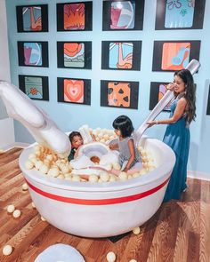 Selfie of your Childhood Museum of Memories Lifestyle Cute and Little Display Design, Booth Design, Store Design, Interactive Museum, Interactive Art, Indoor Playground, Playground Design, Tableau Pop Art, Kids Cafe