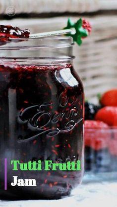 Tutti Frutti Jam (Strawberry, Blackberry, Blueberry & Raspberry) - Fab Food 4 All - Food: Veggie tables Tutti Frutti, Blueberry Jelly, Strawberry Blueberry Jam, Blueberry Syrup, Blueberry Compote, Freezer Jam, Pectin Recipe, Grape Jam Recipe No Pectin, Canning Recipes