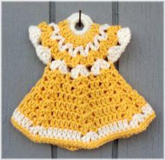 Doll Dress Pot Holder Yellow & White by DebbieCrochets on Etsy Crochet Bolero Pattern, Crochet Bikini Pattern, Crochet Patterns, Crochet Towel Holders, Crochet Towel Topper, Crochet Hot Pads, Free Crochet, Crochet Crafts, Crochet Projects