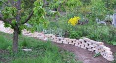 Aw:Backsteine als Trockenmauer und Brunnen wer..... - Seite 1 - Gartengestaltung - Mein schöner Garten online