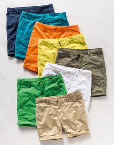 United Colors of Benetton Summer 2014 - Woman and Man Collection Designer Mens Shorts, How To Wear Loafers, Smart Casual Menswear, Flat Lay Photos, Casual Wear For Men, Fashion Photography Inspiration, Mens Fashion, Fashion Outfits, Mens Clothing Styles