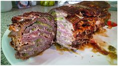 Nach diesem Schichtbraten-Rezept fragen uns gerade alle – RezepteBlog.net Beef Steak, Meatloaf, Food Print, Cooking, Recipes, Rouladen, Bakken, Kitchen, Footprint Art