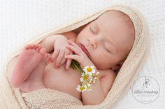 Neugeborenenfoto/ Babyfoto der Babyfotografin & Kinderfotografin © Miriam Ellerbrake, Little Monkey Fotostudio Berlin Prenlauer Berg