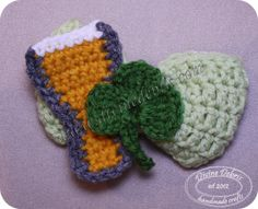 Pilsner St. Patty's Day bow pattern by Divine Debris (free)