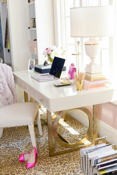 Rachel Parcell | http://pinkpeonies.com/dream-office-closet-space/#