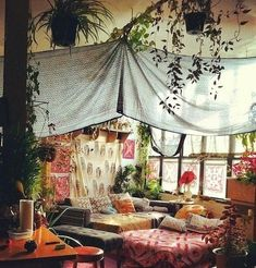 The bohemian look throws all the interior decorating rules out the window. When you embrace boho home decor, you get to decorate however you want. Bohemian House, Boho Home, Bohemian Interior, Bohemian Living, Bohemian Decor, Bohemian Gypsy, Bohemian Bedrooms, Gothic Bedroom, Inside House Plants