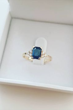 Unique Diamond Rings, Diamond Engagement Rings, Gold Rings, Gemstone Rings, Diamonds And Gold, Round Diamonds, Or Rose, Rose Gold, Solid Gold