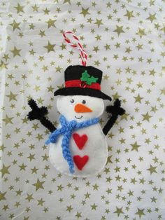 Snowman decoration, felt snowman, cute snowman, christmas decoration, stocking fillers, secret santa gift, gift for her by TheCraftingGardener on Etsy