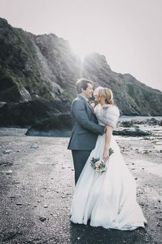 A Subtle Vintage & Polka Dot Themed Beach-side Wedding | Tunnels Beaches - Want That Wedding