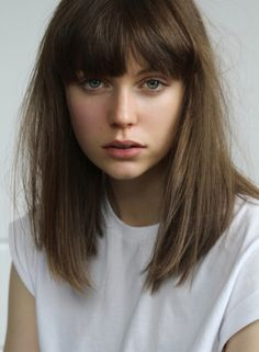 Hairstyles with bangs are great choices for women who want to have hot, attractive looks. Here we will discuss about some common and at the same time happening bang styles. The bang styles, which we will be discussed,. Cute Hairstyles Updos, Straight Hairstyles, Bangs Hairstyle, Hairstyle Ideas, Full Fringe Hairstyles, Haircut Bangs, Fringe Haircut, Simple Hairstyles, Bridal Hairstyles