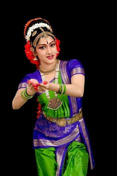 Aneesha & Anuja from Kuchipudi Dance Academy – Vemula Photography Dance Photography Poses, Dance Poses, Kathak Dance, Indian Classical Dance, Classical Art, Dance Academy, Folk Dance, Dance Fashion, Dance Pictures