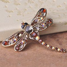 Blucome Antique Silver Plated Dragonfly Brooches Sapphire Jewelry Shining Crystal Vintage Brooch Green Big Broches Hijab Pins Up