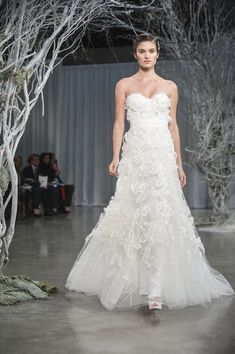 An Alluring Fall 2013 Bridal Collection from Monique Lhuillier
