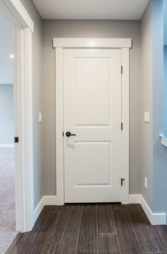 Interior Doors and More - janellsummer house window trim Farmhouse Interior Doors, Interior Door Trim, Farmhouse Trim, Interior Door Styles, White Interior Doors, Interior Door Colors, Paint Interior Doors, Shaker Style Interior Doors, Shaker Style Doors