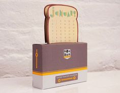 Tastee Toaster Desktop Calendar 2013 (Paper Toy)