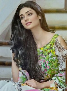 Beautiful actress pics, stunning look, noor khan , noor khan beautiful pictures