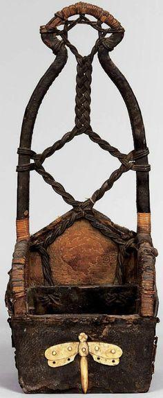 """Ebira"", Japanese samurai Quiver  ca. 18th C. with dragonfly emblem."
