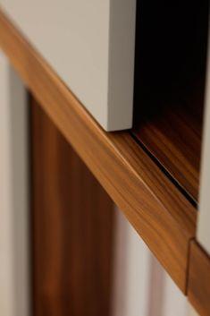 MOBILAMO Details - unsere Regale im close-up - Holz Qualität Wood Veneer, Real Wood, Designer, Up, Good Things, Shelving Racks, Timber Wood, Plywood
