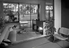 1949 --- Case Study House # 9 - Love the conversation pit / living room combo