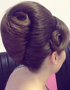Popular Haircuts For Long Hair Hairstyles For Layered Hair, Sleek Hairstyles, Haircuts For Long Hair, Vintage Hairstyles, Pretty Hairstyles, Hair Up Styles, Hair Styles 2016, Medium Hair Styles, Natural Hair Updo