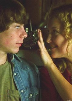 Almost Famous. this movie stirs something inside me.