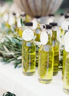 9 Mini Wedding Favors That Your Wedding Guests Will Go Crazy For: #2. Mini Olive Oil