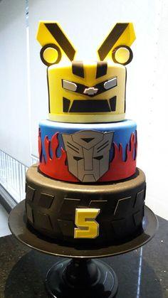 Fazemos o bolo personalizado - A16811 5th Birthday Cake, 1st Birthday Parties, Bolo Fake Eva, Bumblebee Transformers, Transformers Birthday Parties, Transformer Birthday, Superhero Cake, Cake Creations, Birthday Cakes