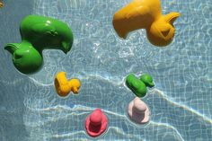 Oli and Carol: beautiful natural bath toys that won't get moldy